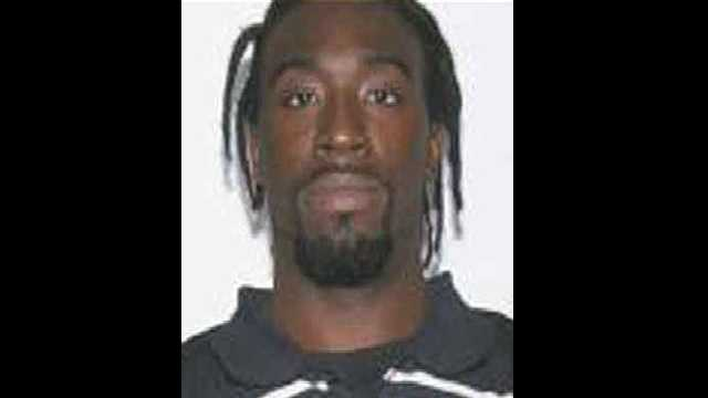 Dequz Washington: Wanted for arson and three counts of attempted murder.