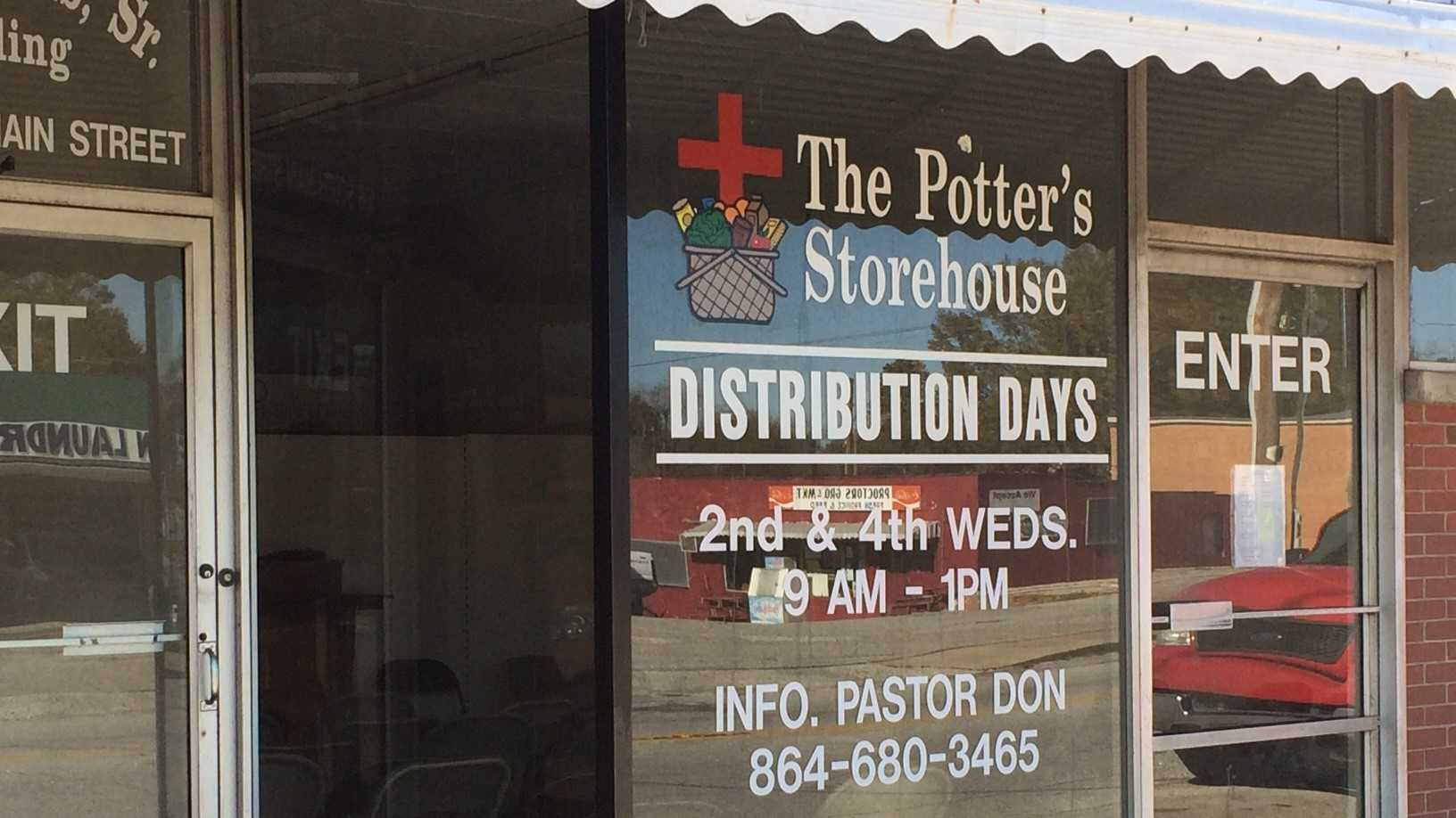 The Potter's Storehouse in Jonesville is hundreds of turkeys short of its goal to give away 500 turkeys this Thanksgiving.