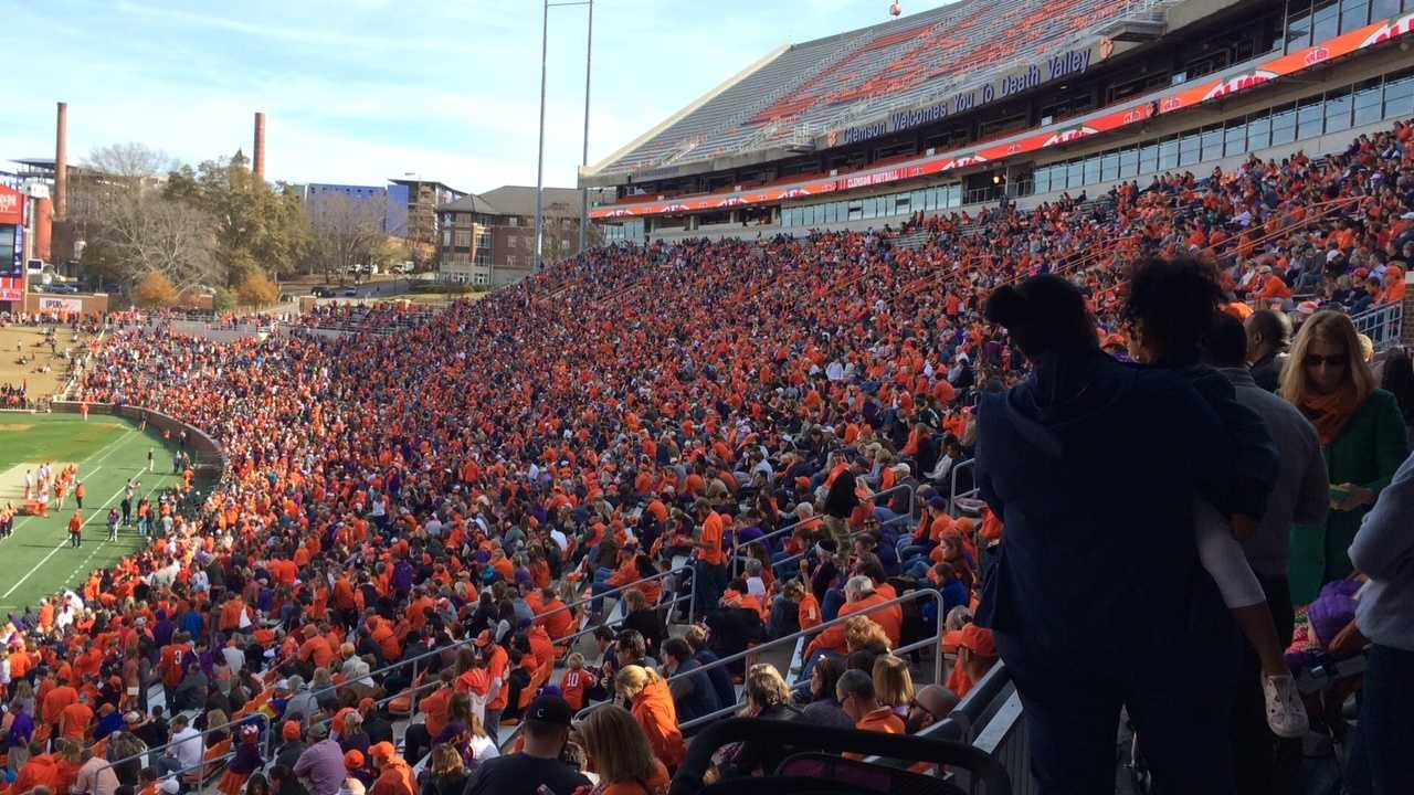 More than 20,000 fans celebrated the ACC championship win at pizza party in Death Valley.