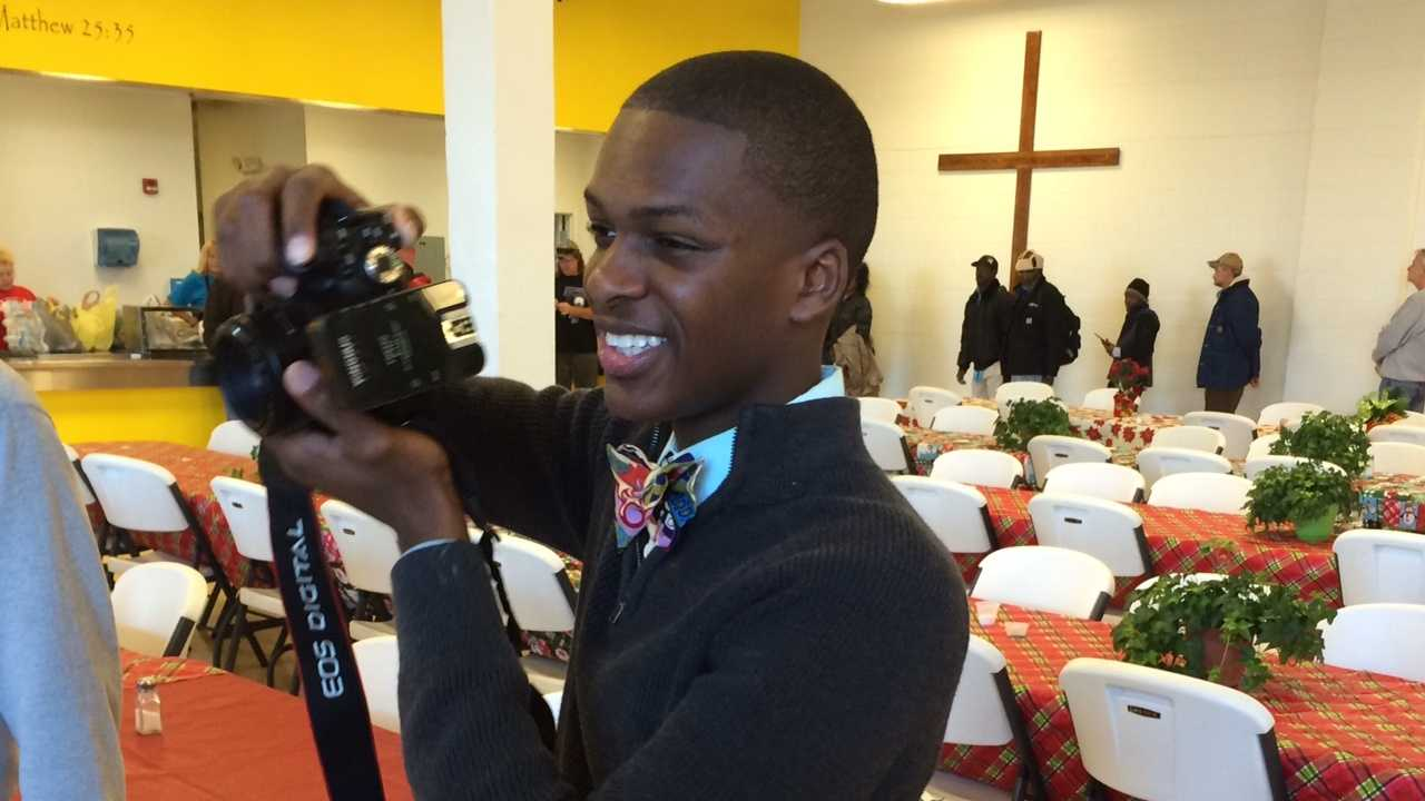 Jeremiah Drummond offered free family portraits at Spartanburg Soup Kitchen.