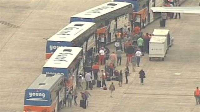 Clemson team arrival at GSP
