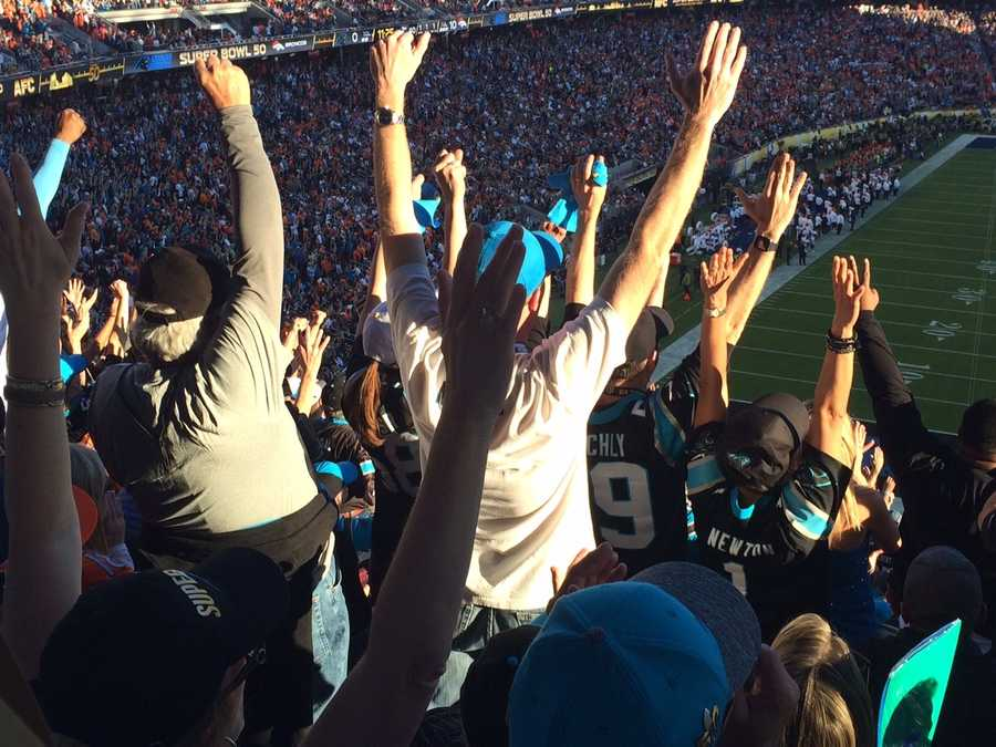 Carolina fans at Super Bowl 50 react to first Panthers score