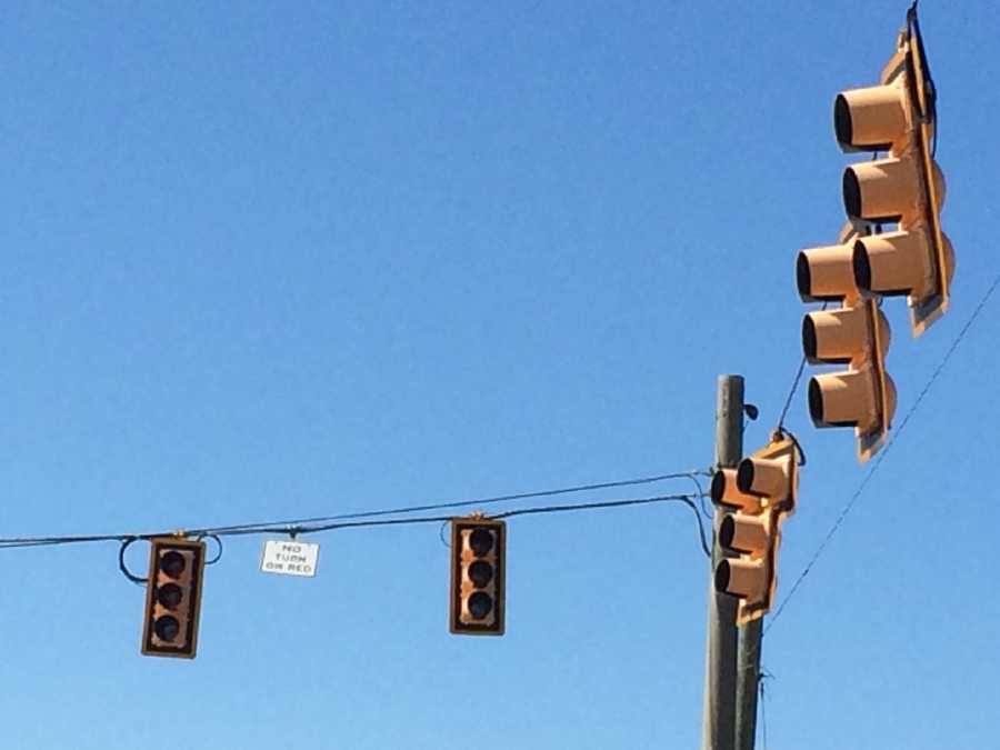 A power outage in the Cherrydale area left drivers without streetlights.