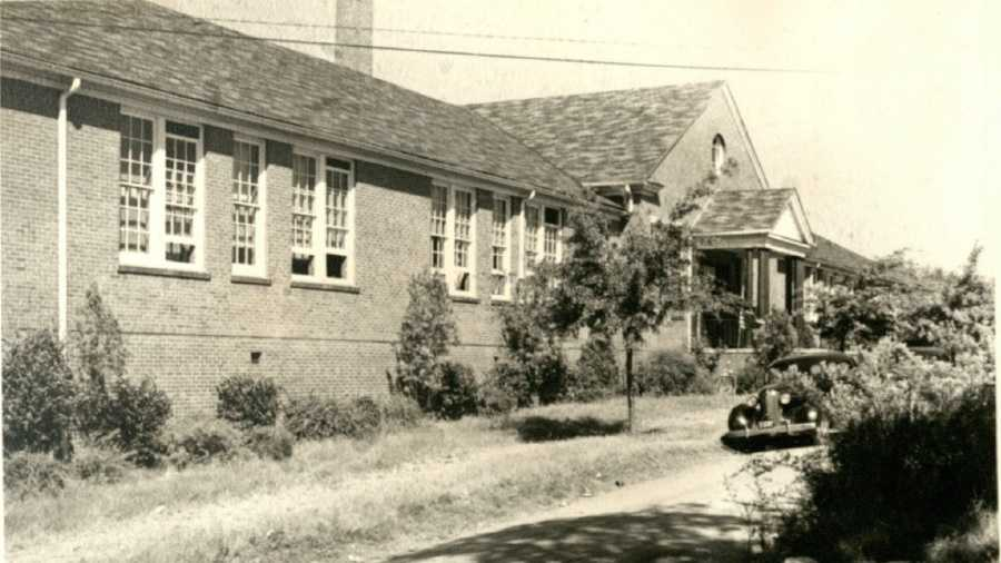 Allen School when it was relocated near Stone Avenue