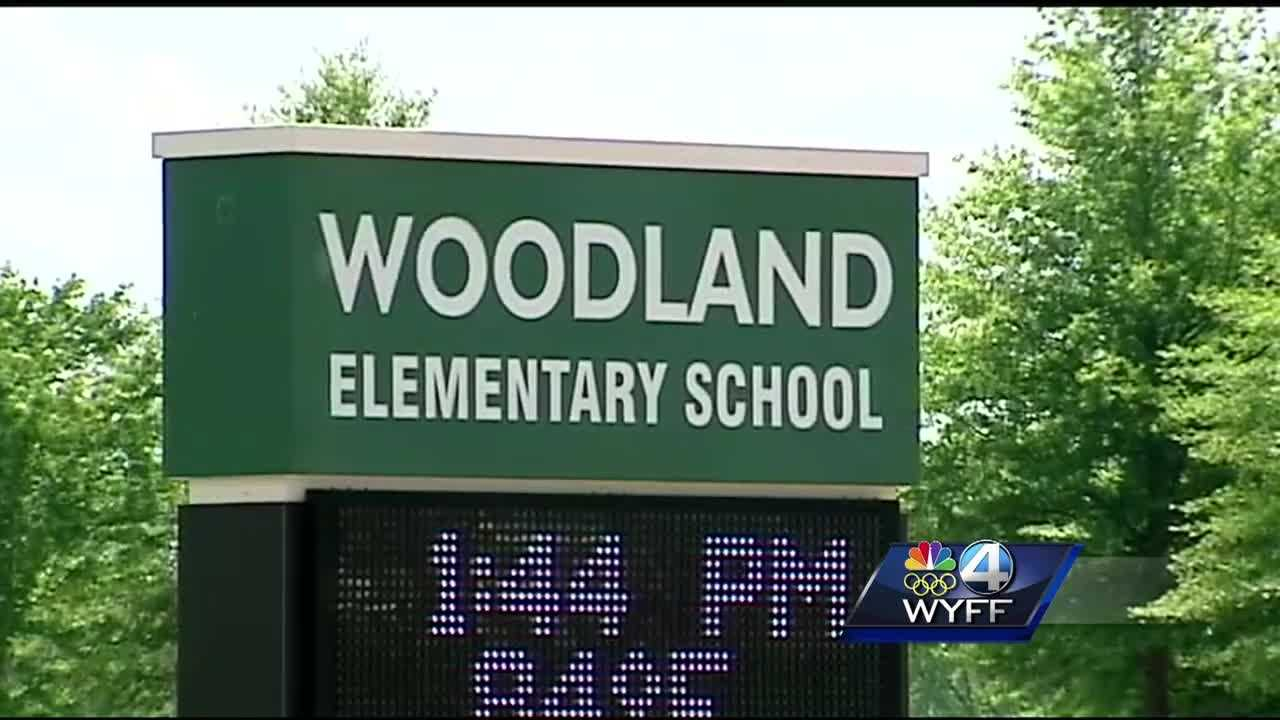 GCS says a chaperone on a Woodland Elementary School field trip is a registered sex offender.