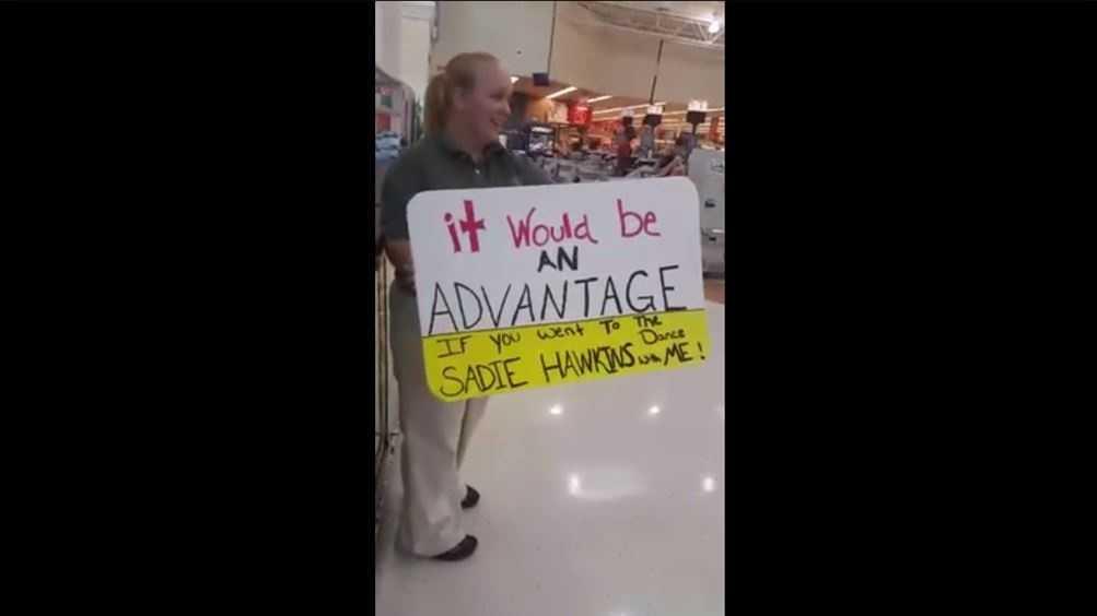 Ingles Advantage dance question sign
