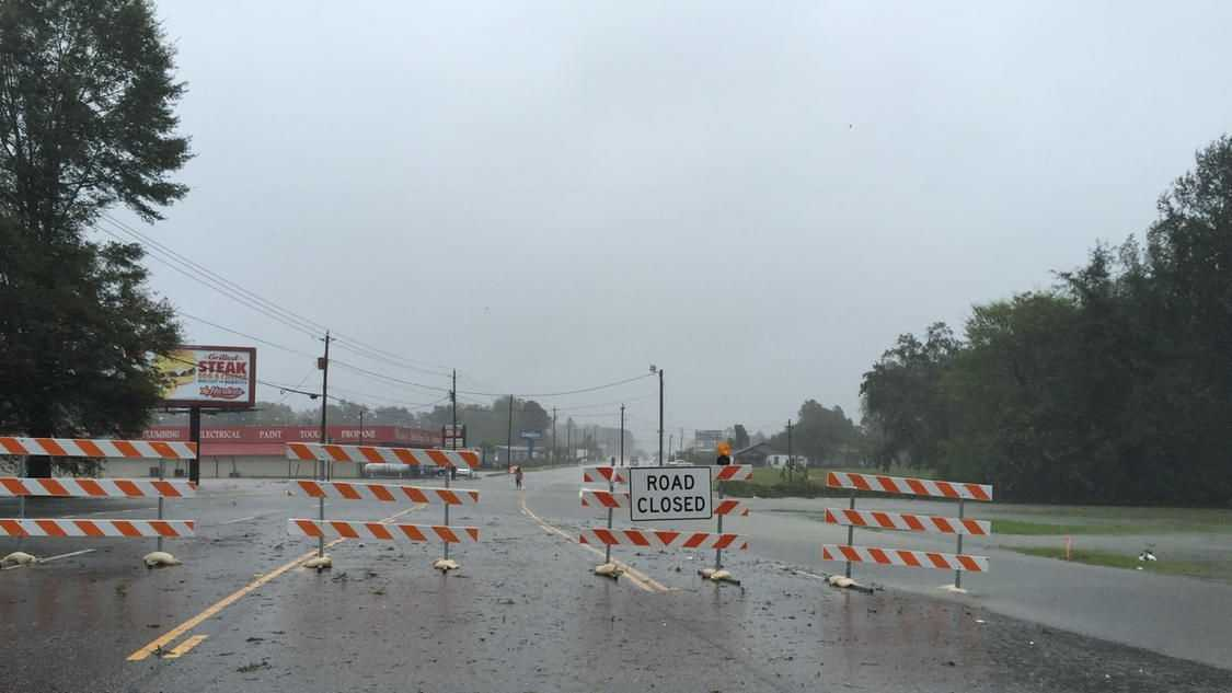 East Palmetto street shut down headed to FLO Airport. (Source: Audrey Biesk)