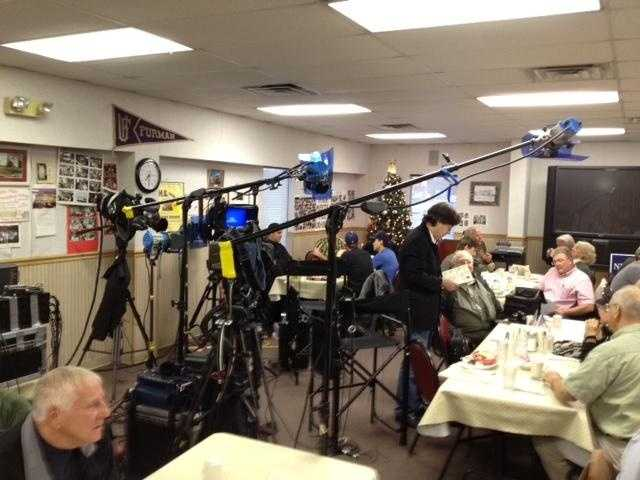 A national media outlet has set up for a 1 on 1 interview with Gingrich after his town hall.