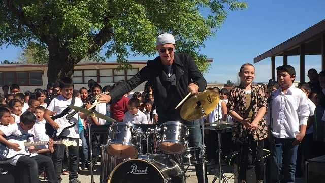 Red Hot Chili Peppers drummer visits Greenfield school
