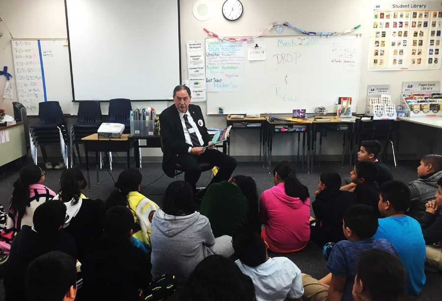 Salinas Mayor Joe Gunter read to students at Jesse Sanchez Elementary School.