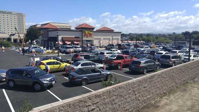 Seaside In-N-Out draws thousands on opening day