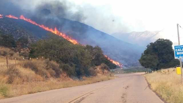 Cal firefighters battle 10-acre blaze west of Greenfield