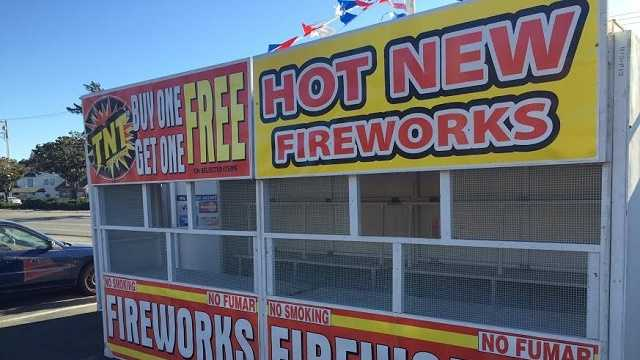Hollister fire chief considers fireworks ban
