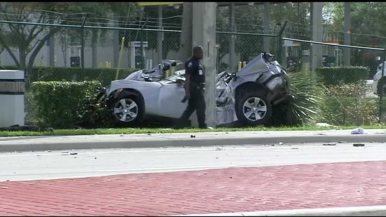 Police responded Tuesday after a car crashed into a tree and a concrete pole in Riviera Beach. Ted White reports.
