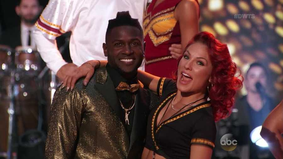 Antonio Brown danced the Quickstep with Sharna Burgess.