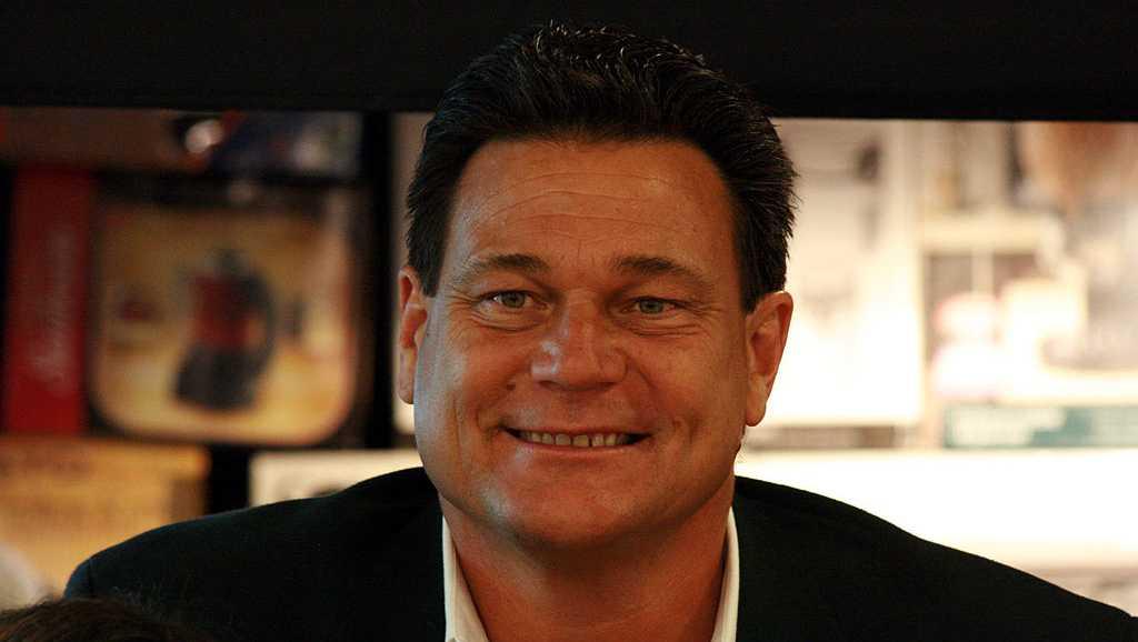 Former Razorback Dan Hampton