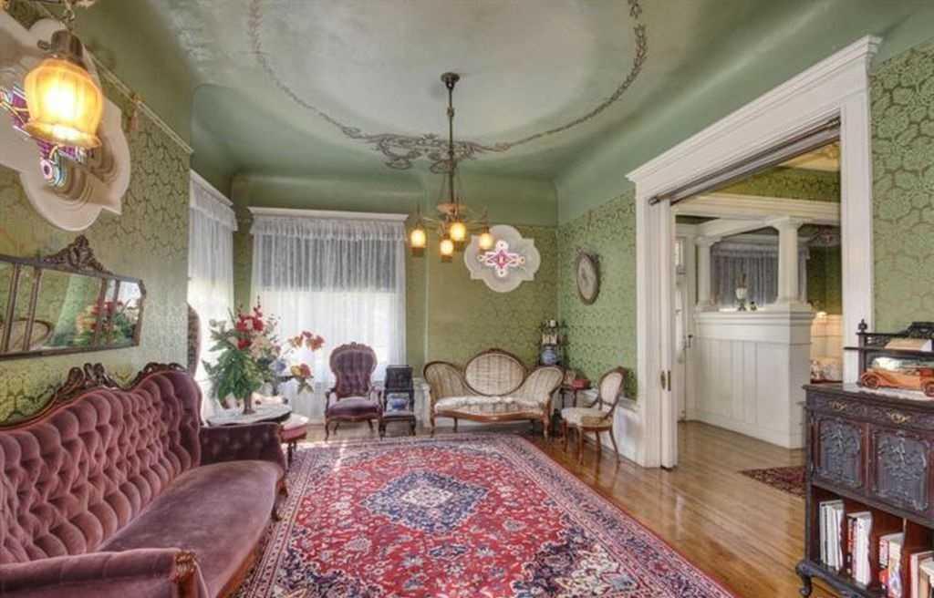 Sacramento Victorian mansion parlor