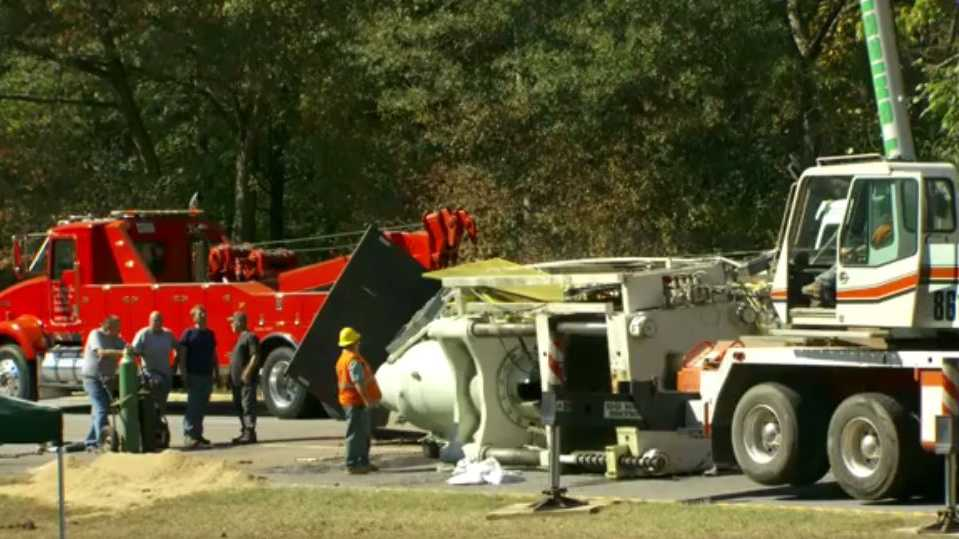 Highway 123 cleared after overturned tractor-trailer blocks traffic for hours