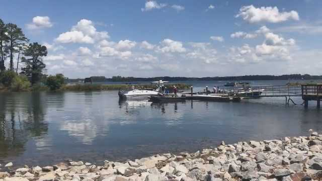 1 dead, 1 missing in Lake Murray boat crash in SC
