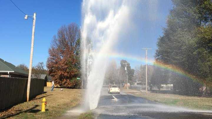 Mulberry water main break on Thanksgiving Day, 2017