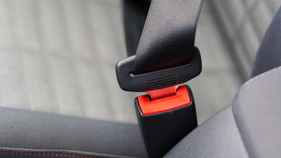 Know the difference between the 2 types of seat belt laws