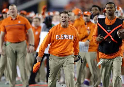 Clemson's Swinney gets raise to almost $7 million a year