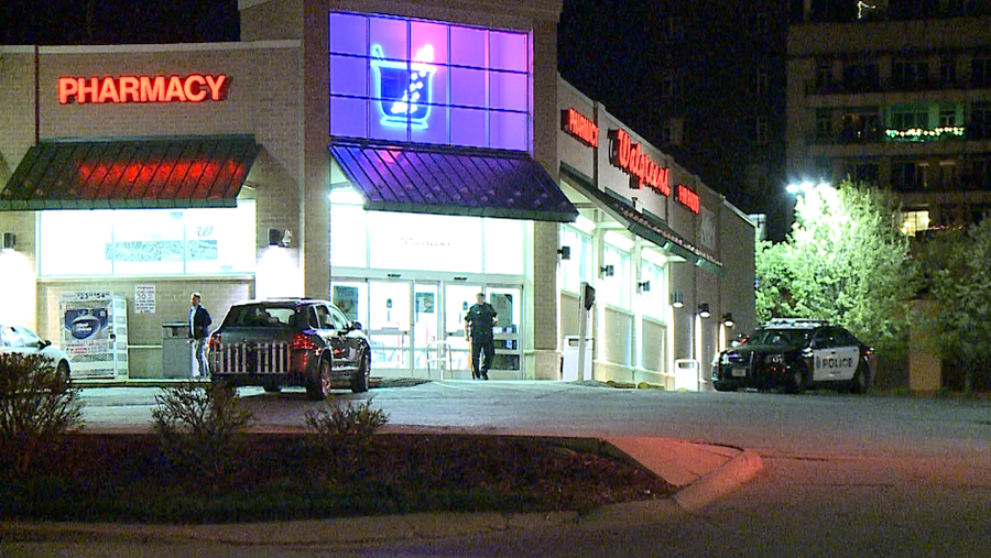 Man gets away with cash in overnight armed robbery