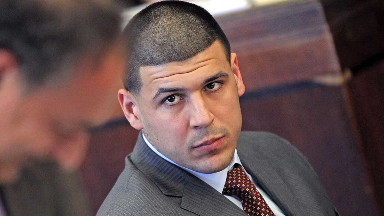 New Documents Paint 2 Starkly Different Portraits of Aaron Hernandez