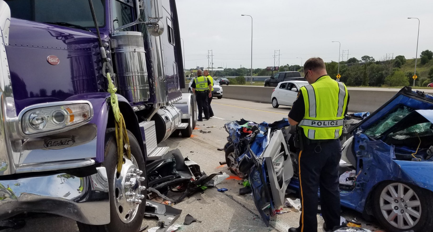 Four-vehicle crash in Omaha leaves Minnesota woman dead