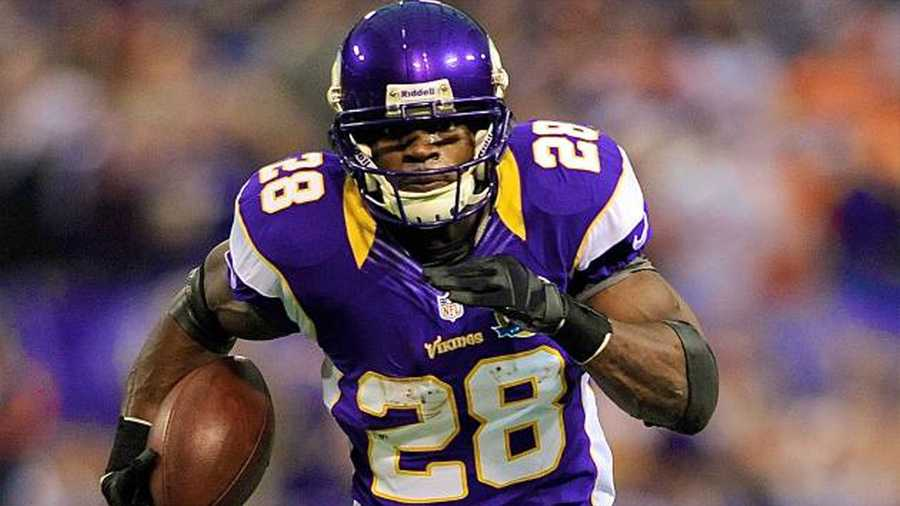 Adrian peterson leaves patriots visit on monday with no deal adrian peterson voltagebd Choice Image