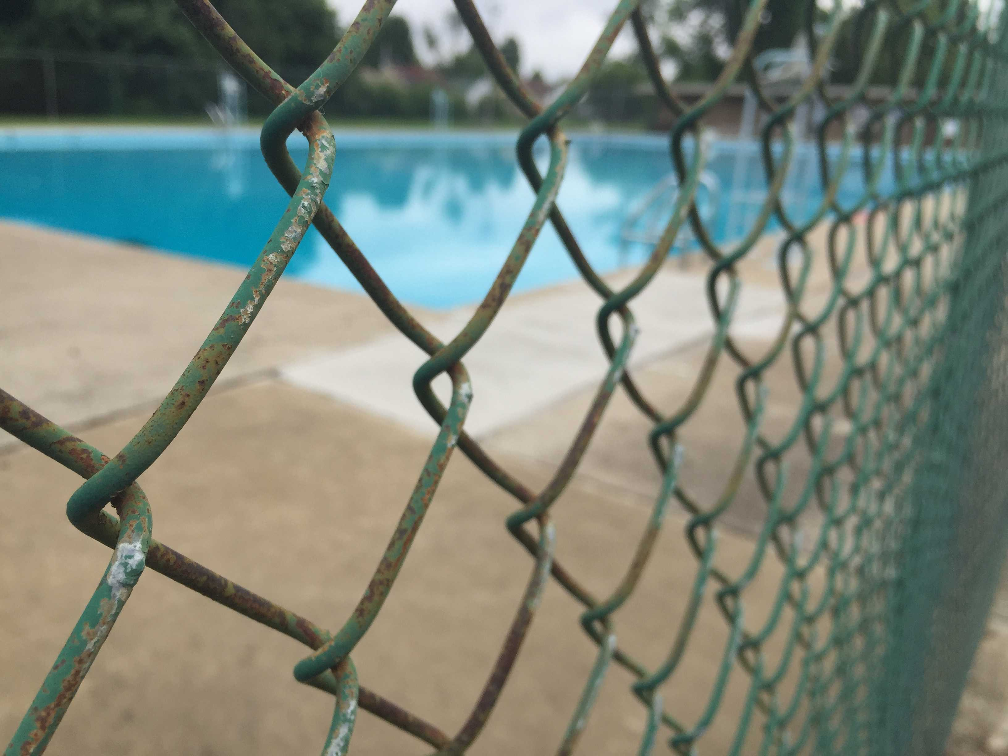 Reading postpones opening of city-owned swimming pool
