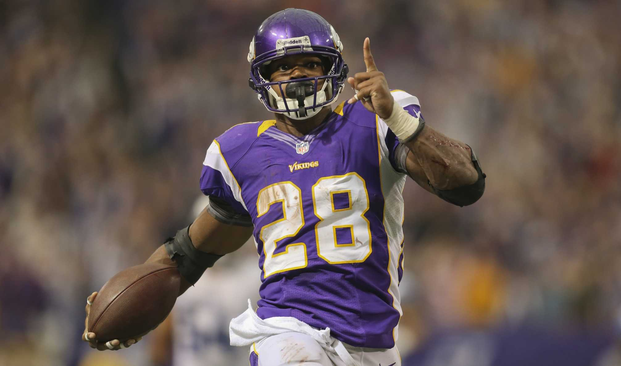 Adrian Peterson to meet with the New Orleans Saints