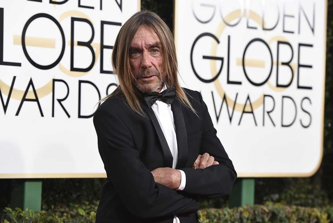 Iggy Pop arrives at the 74th annual Golden Globe Awards at the Beverly Hilton Hotel on Sunday, Jan. 8, 2017, in Beverly Hills, Calif. (Photo by Jordan Strauss/Invision/AP)
