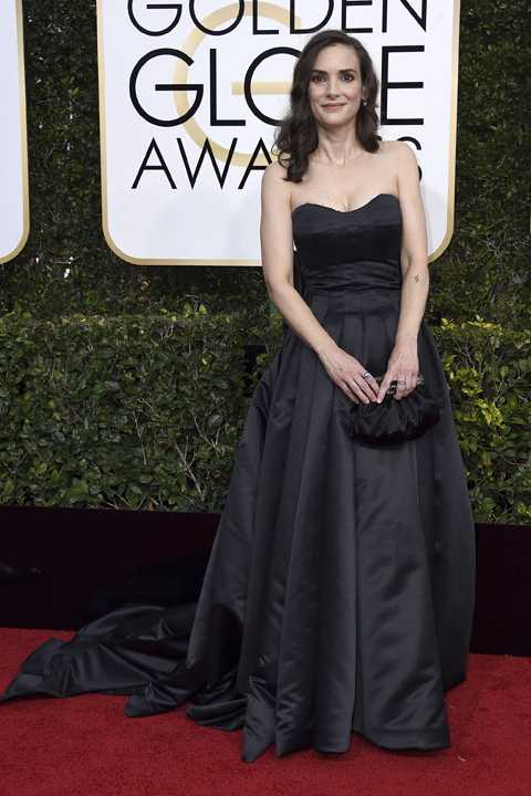 Winona Ryder arrives at the 74th annual Golden Globe Awards at the Beverly Hilton Hotel on Sunday, Jan. 8, 2017, in Beverly Hills, Calif. (Photo by Jordan Strauss/Invision/AP)