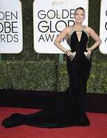 Blake Lively arrives at the 74th annual Golden Globe Awards at the Beverly Hilton Hotel on Sunday, Jan. 8, 2017, in Beverly Hills, Calif. (Photo by Jordan Strauss/Invision/AP)