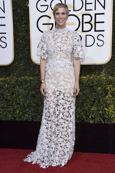 Kristen Wiig arrives at the 74th annual Golden Globe Awards at the Beverly Hilton Hotel on Sunday, Jan. 8, 2017, in Beverly Hills, Calif. (Photo by Jordan Strauss/Invision/AP)
