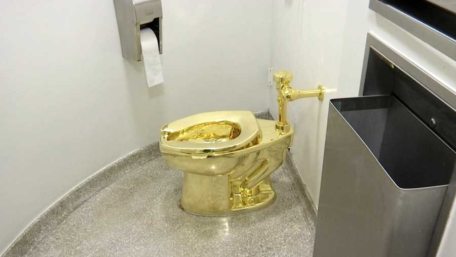 toilet made of gold. 16  2016 Image Made From A Video Shows The 18 Karat New York Museum Offered Used Solid Gold Toilet To Trumps