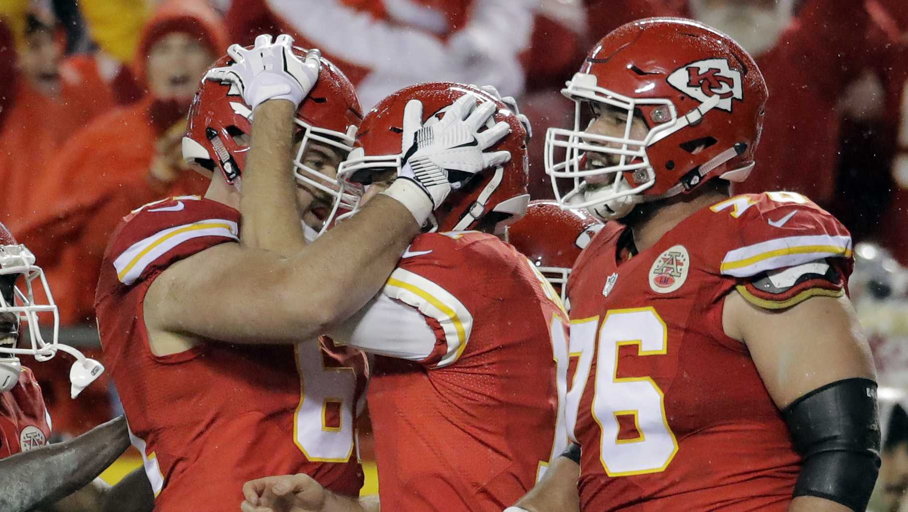 Chiefs rout Broncos on Christmas day
