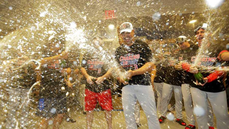 Red Sox Troll Yankees Sing New York New York In Locker