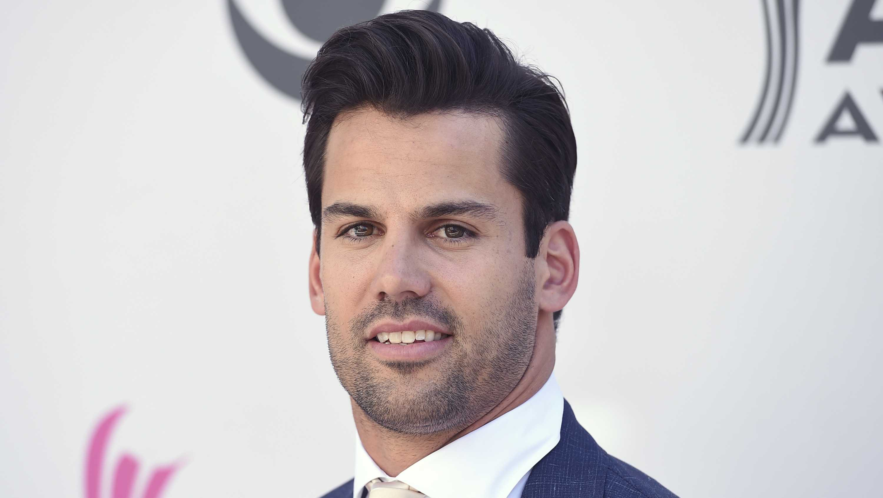 Eric Decker arrives at the 52nd annual Academy of Country Music Awards at the T-Mobile Arena on Sunday, April 2, 2017, in Las Vegas. (Photo by Jordan Strauss/Invision/AP)