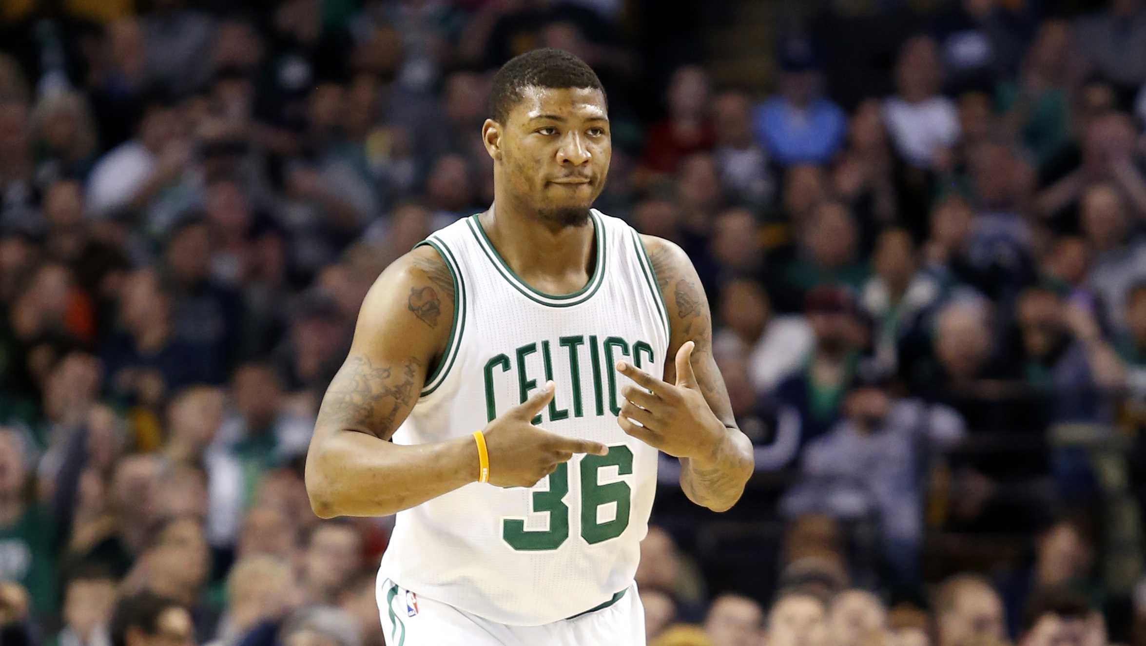 Celtics shuffle lineup with Green starting over Johnson