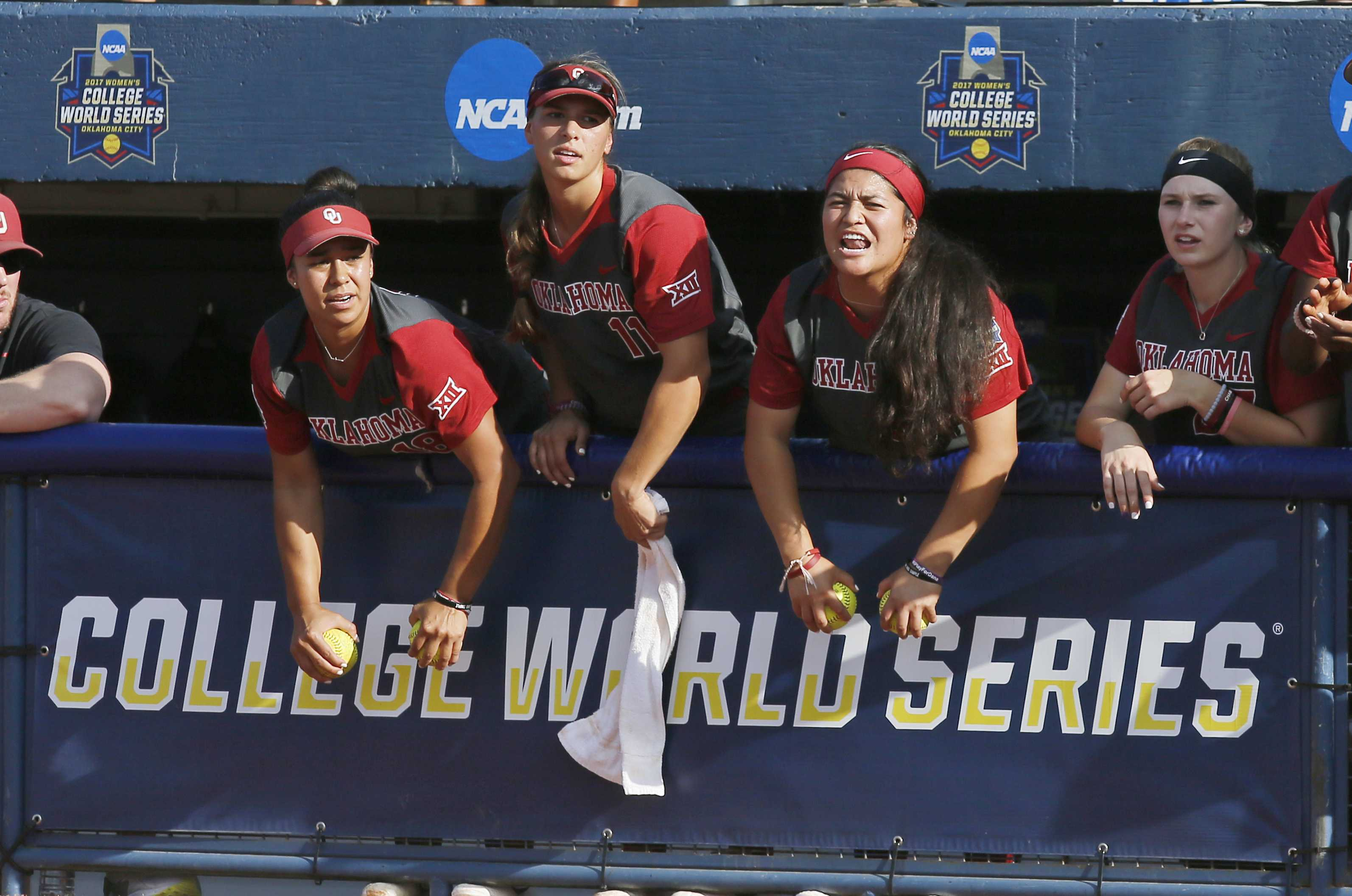 Florida proving hard to beat at Women's College World Series