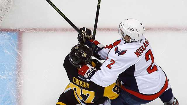 Sidney Crosby hit by Matt Niskanen