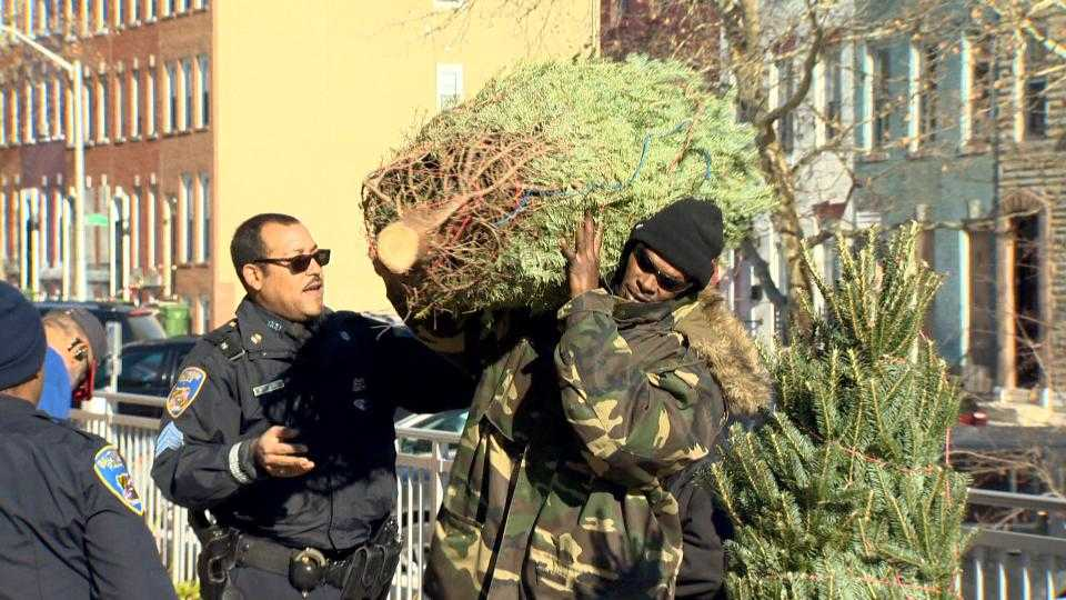 Baltimore police Christmas tree giveaway
