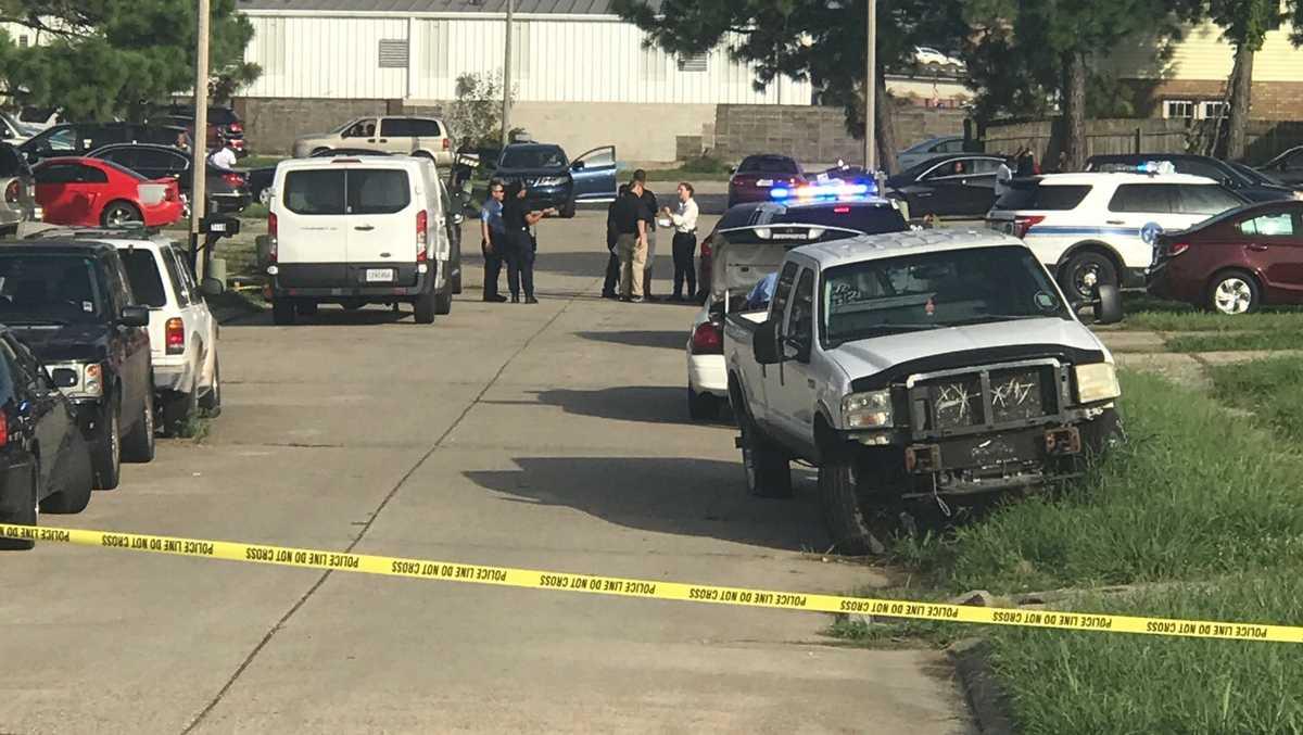 child among three injured after car shot at on interstate in new orleans east. Black Bedroom Furniture Sets. Home Design Ideas
