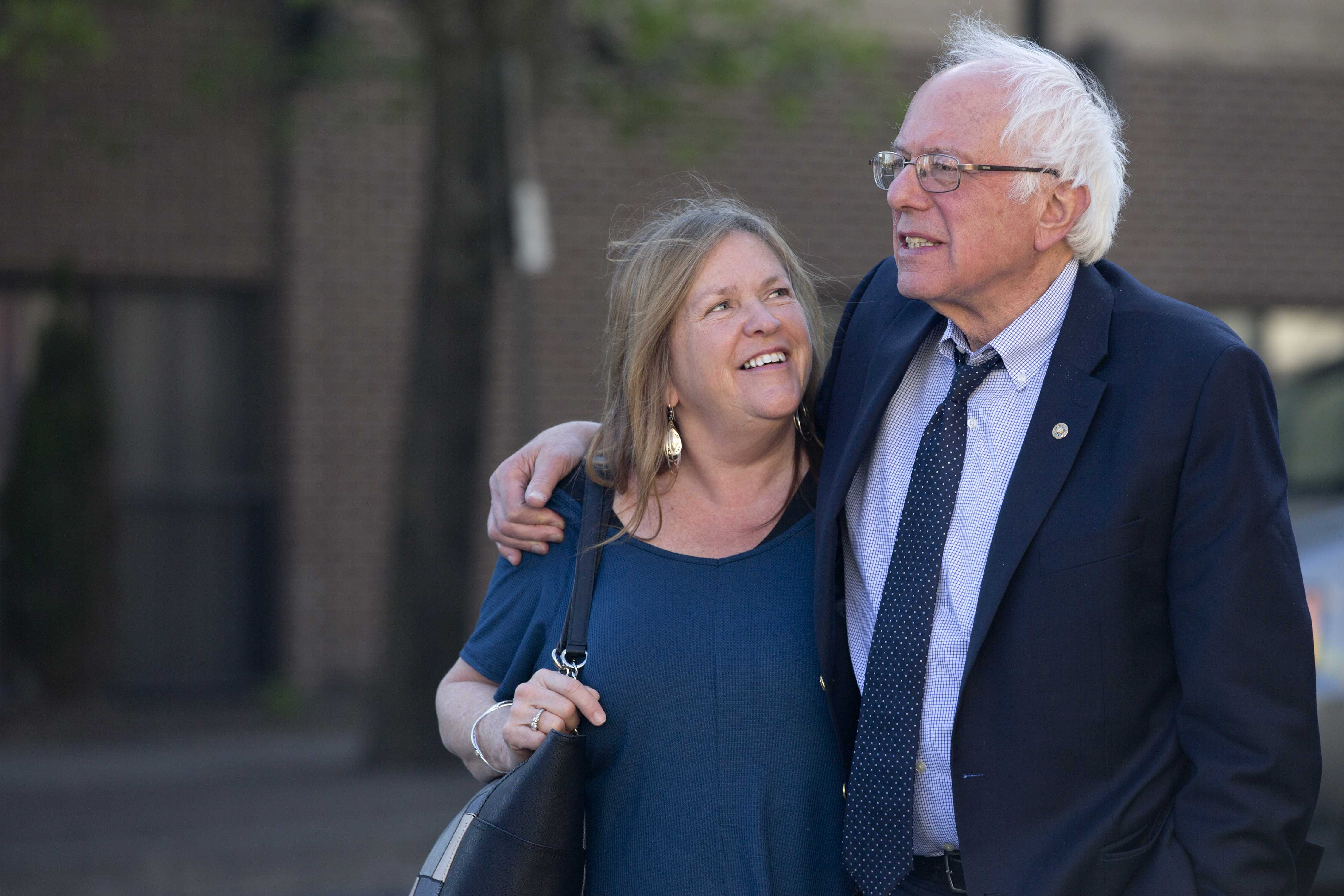 Sanders' Wife Under FBI Probe for Real Estate Deal