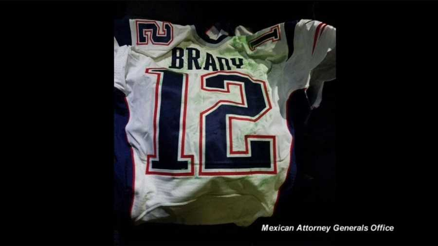 Man named in Brady jersey case sought autographs, selfies