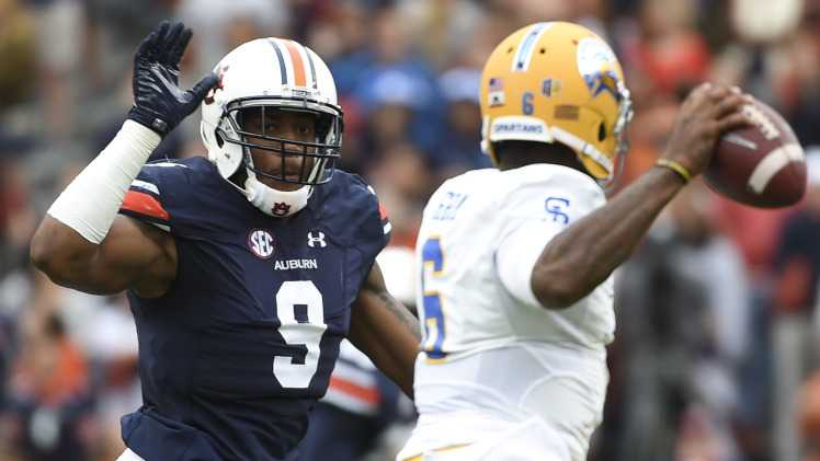 Auburn dismisses QB Sean White after public intoxication arrest, per report