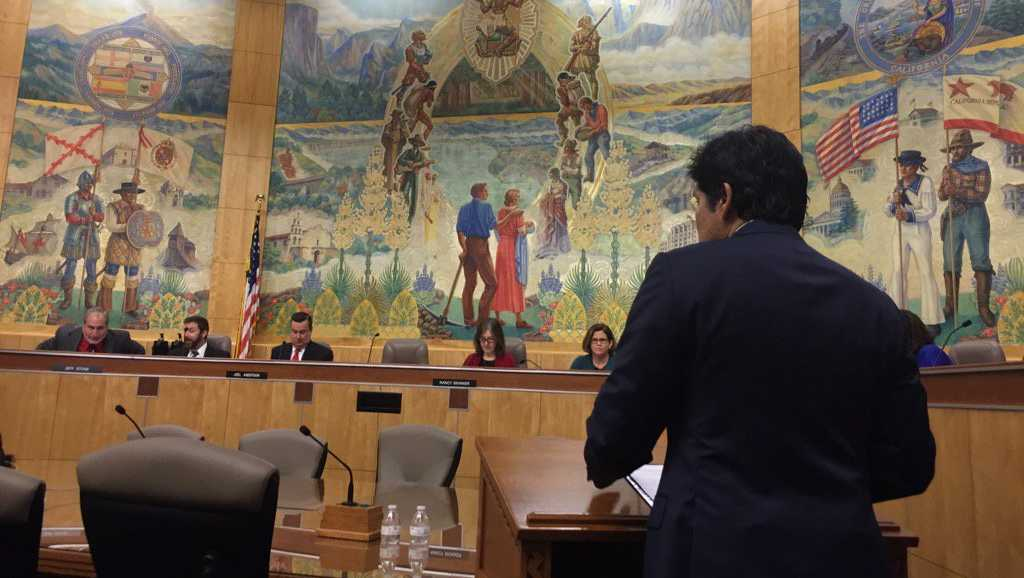 California Senate President Kevin de Leon testifies for Senate Bill 54 on Tuesday, Jan. 31, 2017, at the state Capitol.