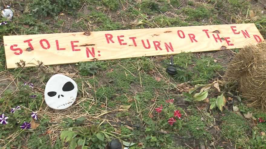 Thief steals parts of neighborhood 'Nightmare Before Christmas' Halloween display